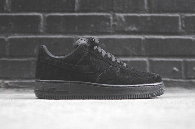 Nike Air Force 1 Low Triple Black 6