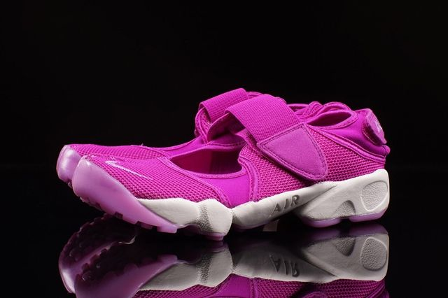 Nike Air Rift Flash Pink 2