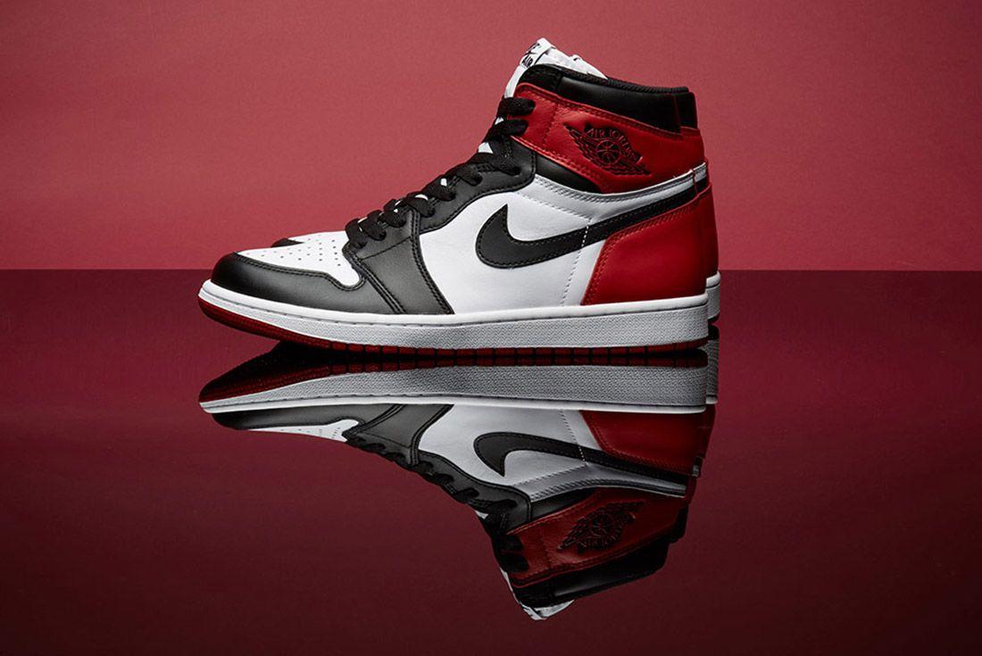 Air Jordan 1 Black Toe 5