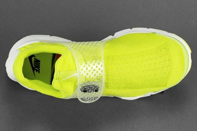Nike Sock Dart Volt 1