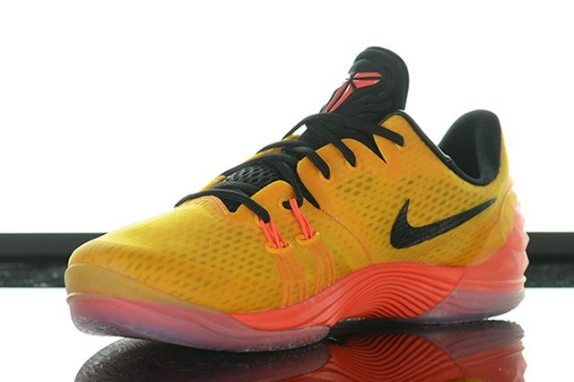 Nike Kobe Venomenon 5 University Gold Hot Lava 41