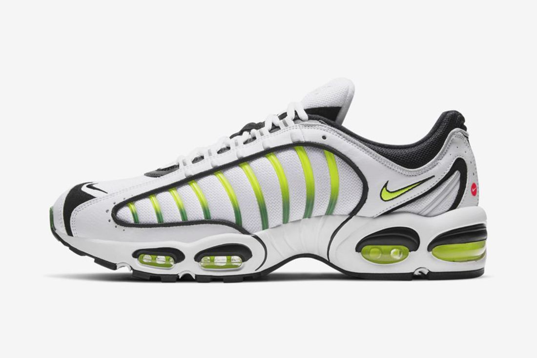Iv 99 Nike Air Max Tailwind 4 Feature