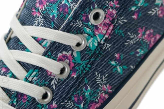 Converse Ctas Ox Floral Black Lace Detail 1