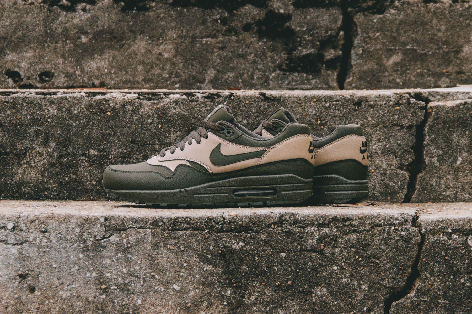 Nike Air Max 1 Dark Loden Blog 1