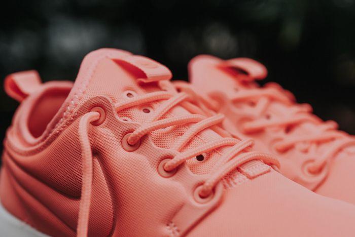 Nike Roshe Two Wmns Atomic Pink2