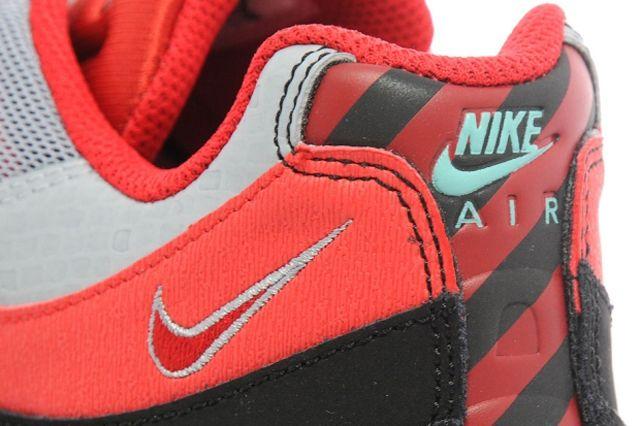 Nike Air Max 95 Obsidian University Red 1