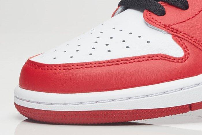 Air Jordan 1 Retro Low Og 10
