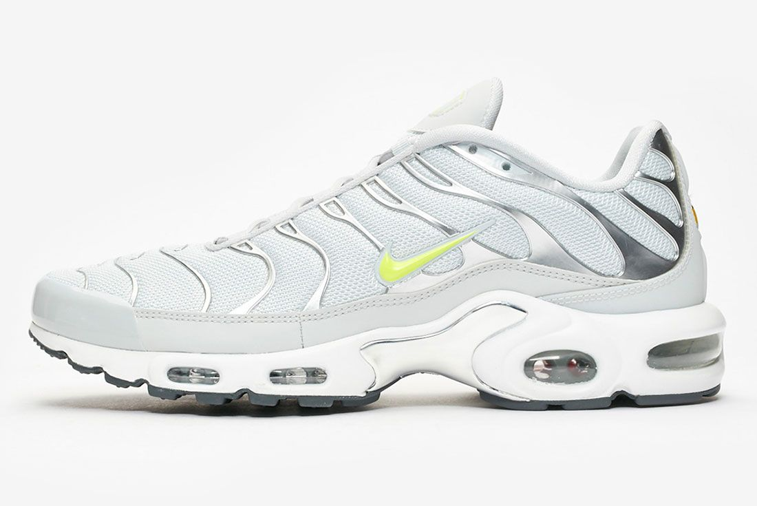 Nike Air Max Plus Pure Platinum Volt Side