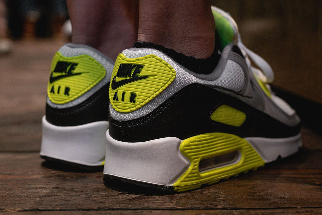Nike Air Max 90 Volt Styling 4
