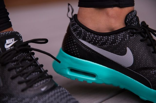 Nike Air Max Thea Jacquard Black Retro 2