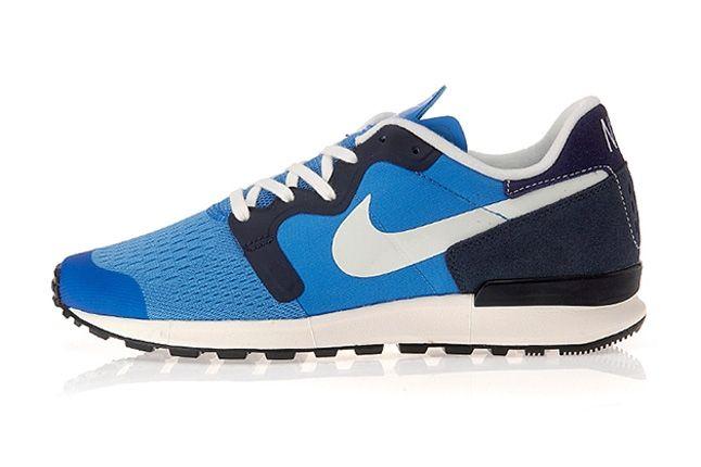 Nike Air Berwuda Blue Profile 1