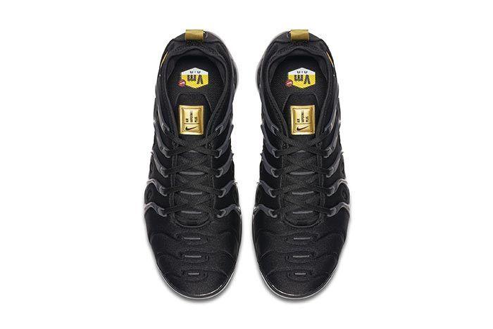 Nike Vapormax Plus Black Gold 2