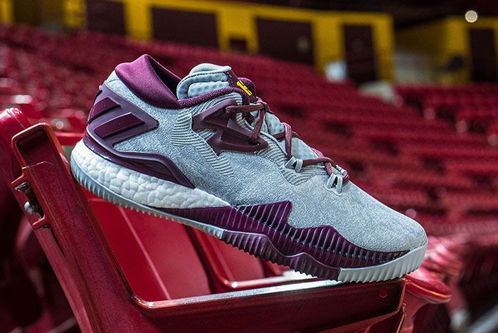 Adidas Crazylight Boost 2016 9