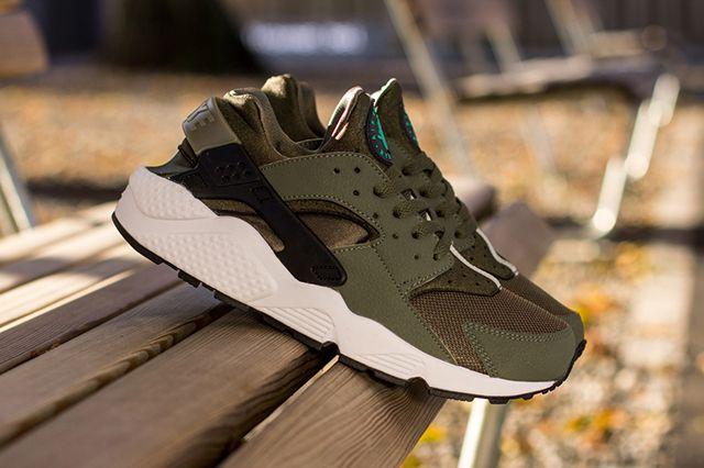 Nike Air Huarache Iron Green 2