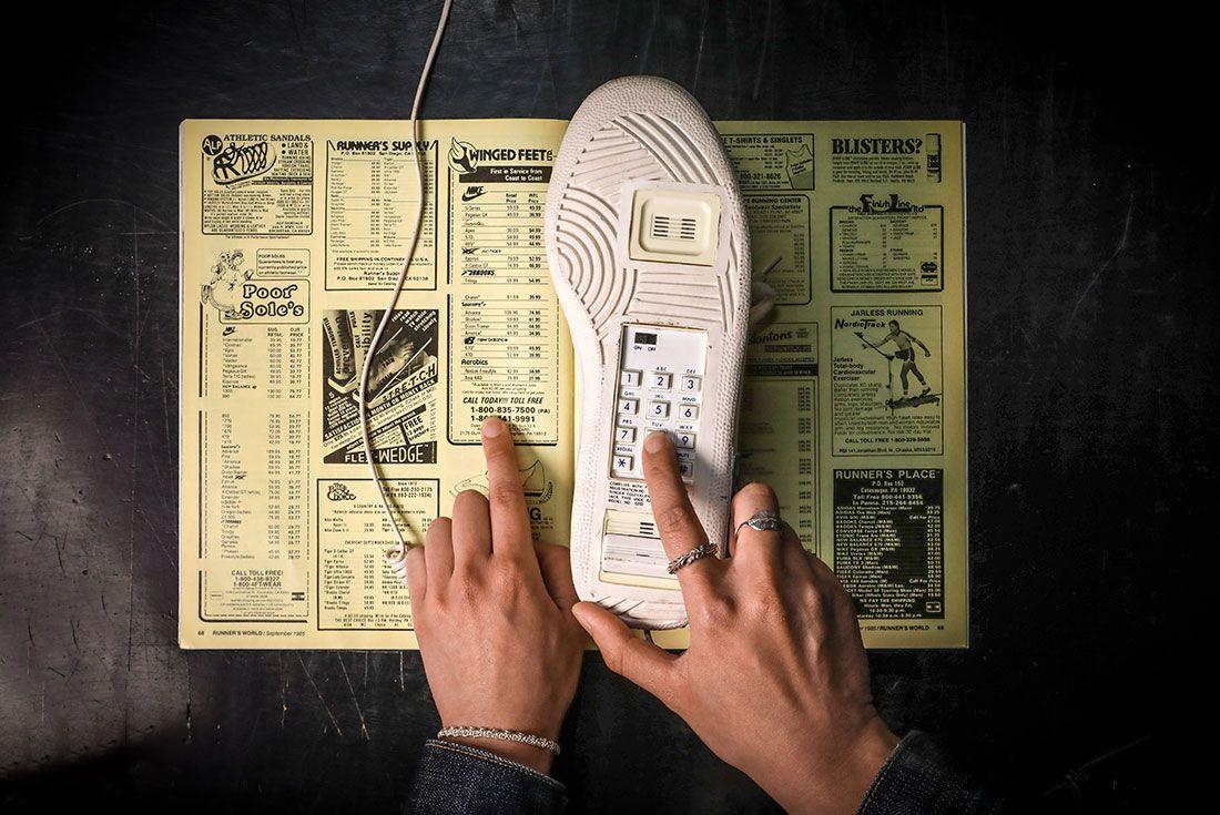 Phone Order Sneaker Telephone Hand Dialing