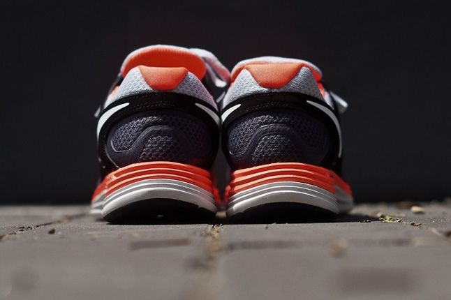 Nike Lunarflash Platinum Crimson Heel 1