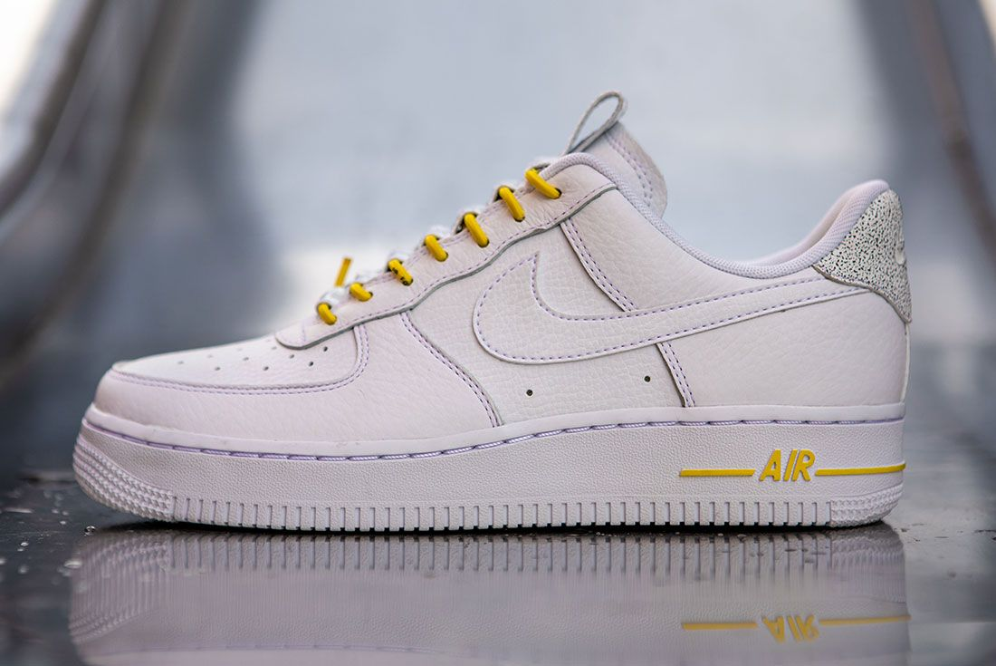 Nike Air Force 1 Womens Refective Black White3 Side