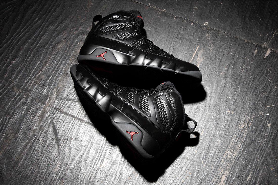 Air Jordan 9 Bred Black University Red 2