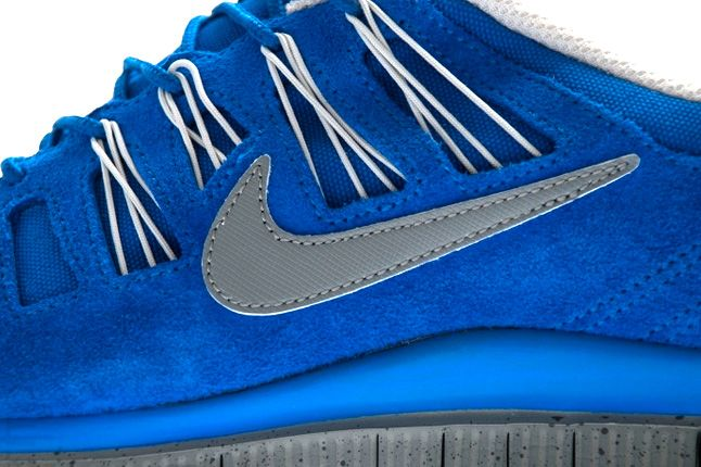 Nike Free 5 Ext Hyper Blue Side Details 1