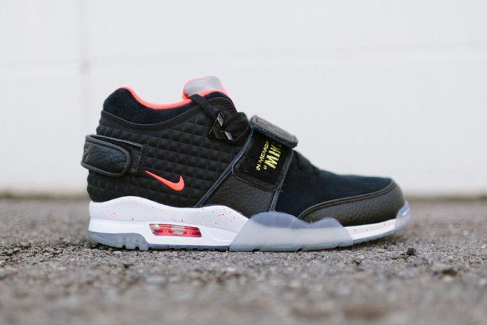 Nike Air Trainer Cruz Blackbright Crimson3
