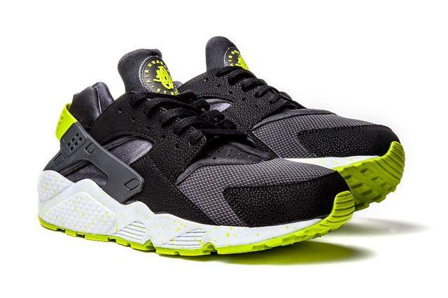 Nike Huarache Black Venom 3