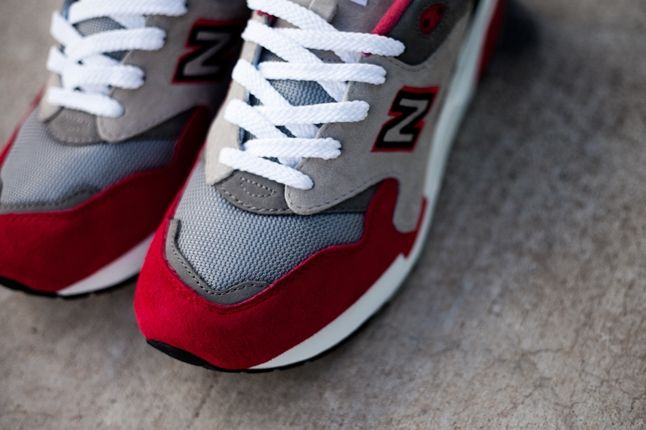 New Balance 1600 Elite Red Toe Detail 1