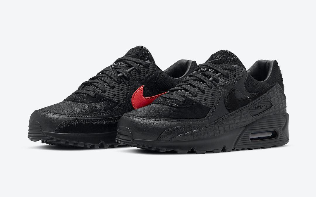 Nike Air Max 90 Angled