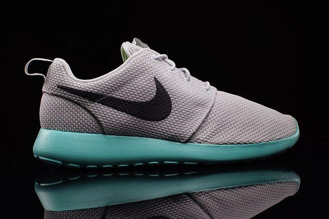 Nike Roshe Run Calypso 2