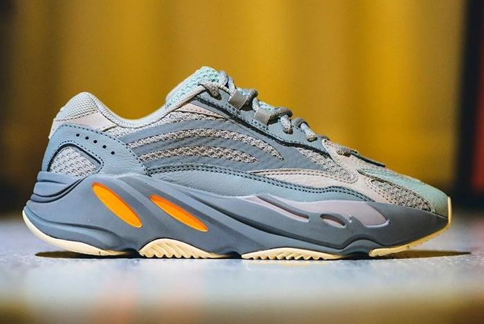 Yeezy Boost 700 V2 Inertia Right