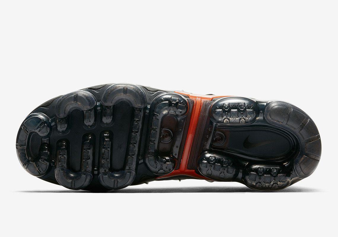 Nike Vapormax Plus Grey Red 924453 012 3