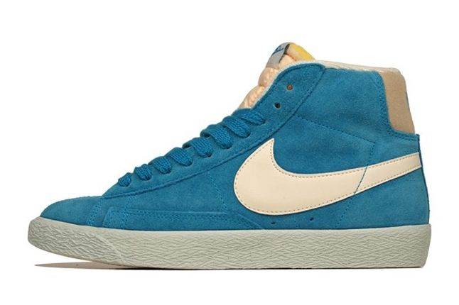 Nike Vntg Blazer Suede Blue Profile2 1