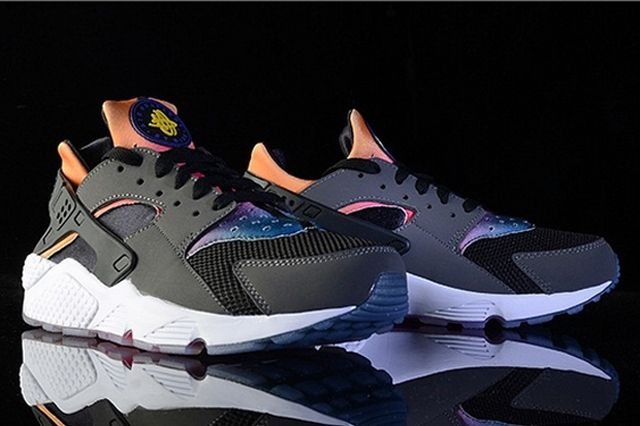 Nike Air Huarache Black Rainbow Neoprene 1