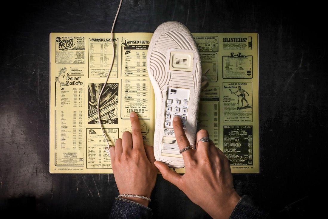 Phone Order Sneaker Telephone Hand Dialing 2