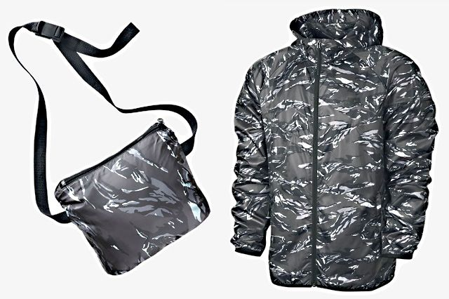 Nike Packable Camo Lightweight Windrunner Black