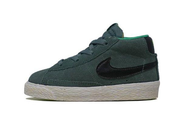Nike Blazer Mid Vintage Green Profile 1