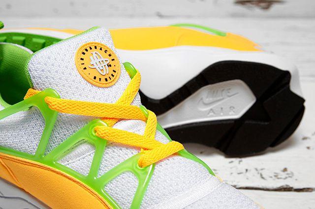 Nike Huarache Light Atomic Mango 31