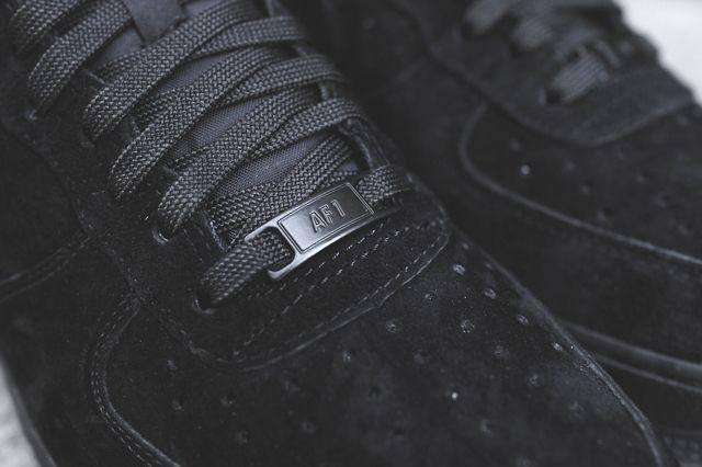 Nike Air Force 1 Low Triple Black 1