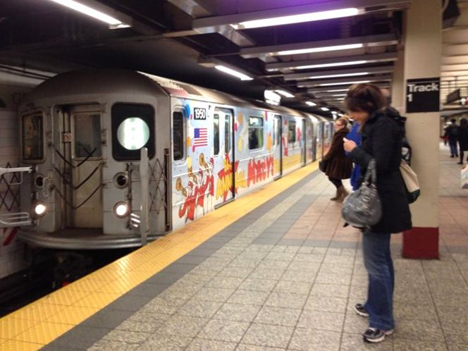 Kaws Nyc Mta Subway Macys End To End 1