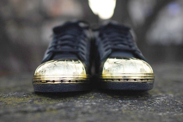 Adidas Originals Superstar 80 Metal Toe Black Gold 3