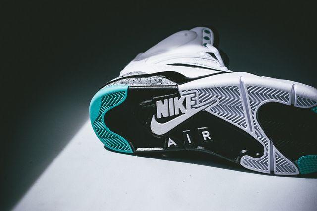 Nike Air Command Force Hyper Jade Bumper 3