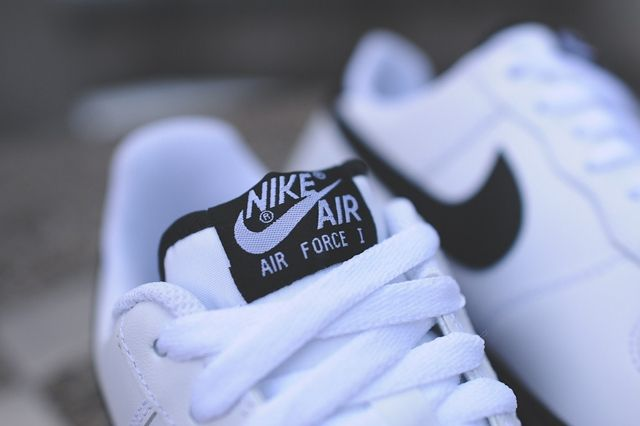 Nike Air Force 1 Low White Black 2