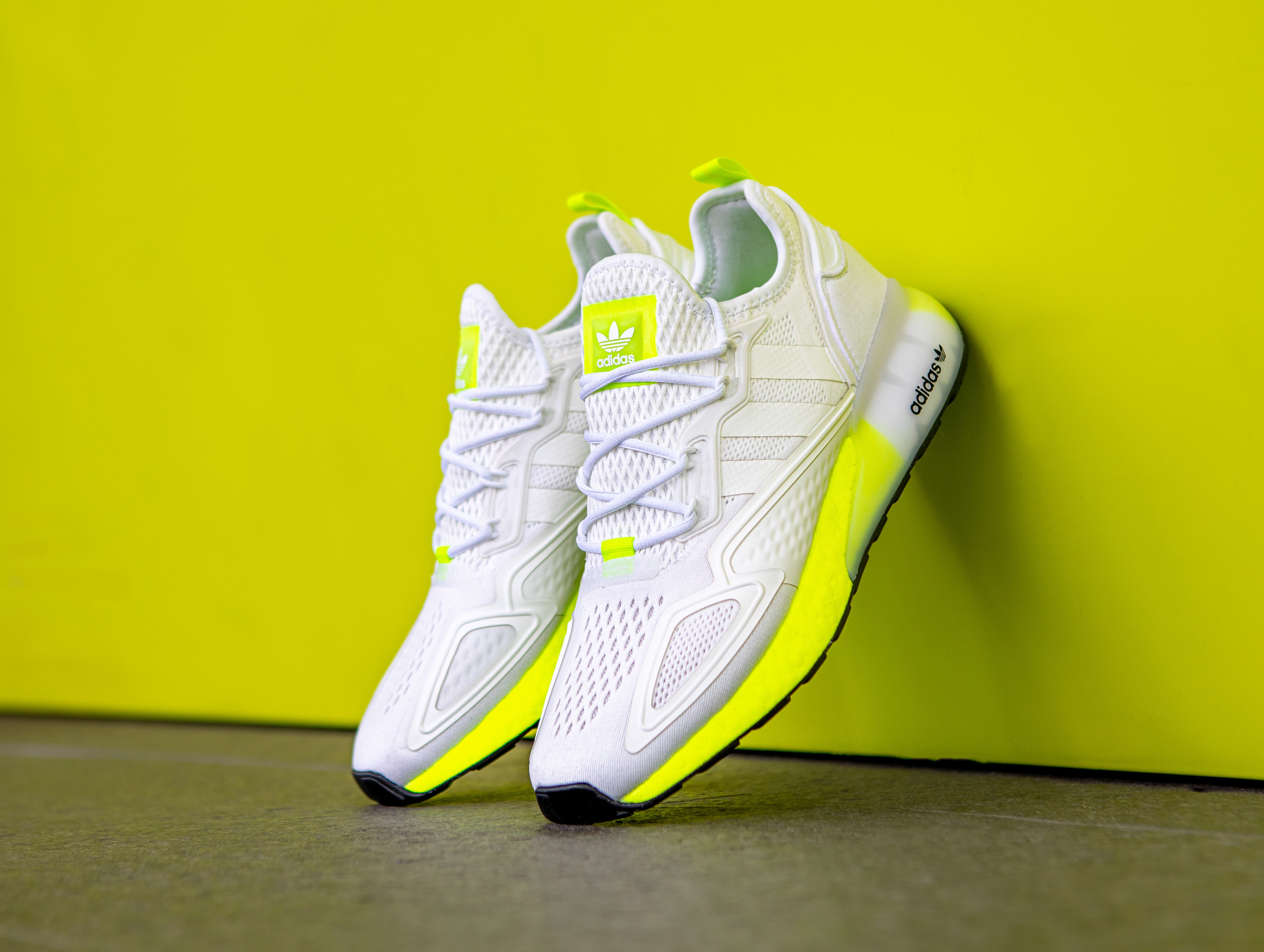 adidas ZX 2K BOOST (White/Solar Yellow)