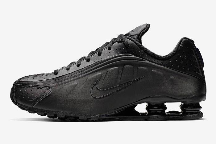 Nike Shox R4 Triple Black Lateral