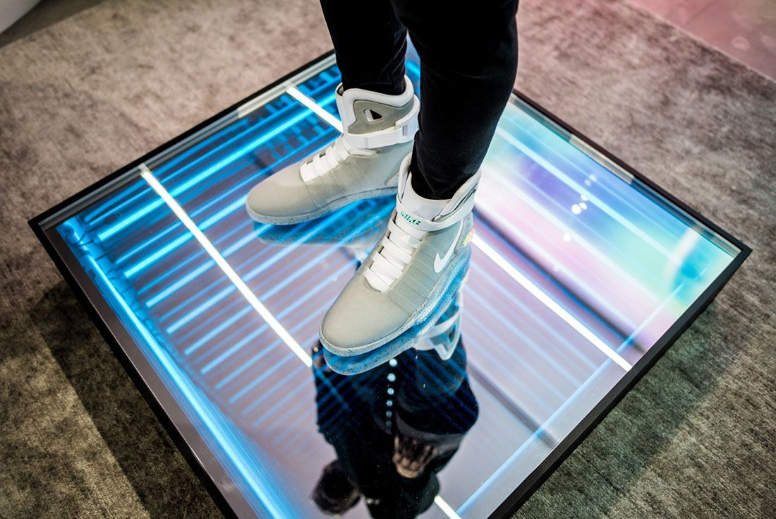 Nike Air Mag Show 4