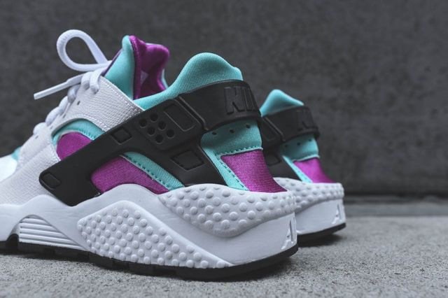 Nike Wmns Huarache Fuschia Teal Bump 4