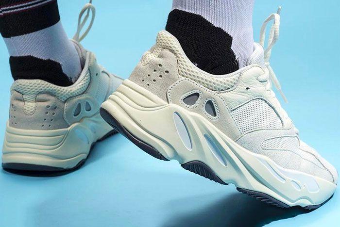 Adidas Yeezy Boost 700 Analog Heel