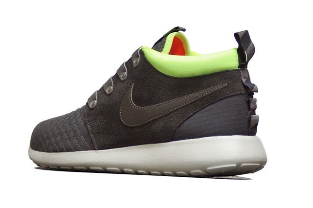 Nike Roshe Run Mid Winter Smokey Volt1