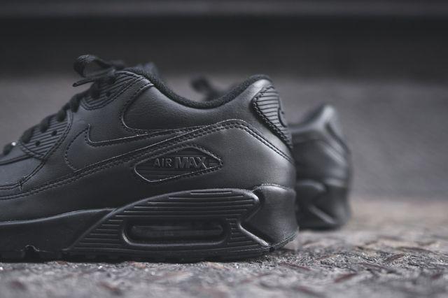 Nike Air Max 90 Leather Triple Black Bumper 2