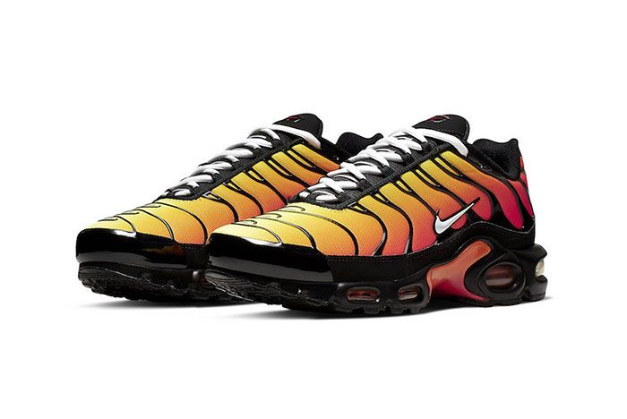Nike Air Max Plus Orange 852630 040 Front Angle