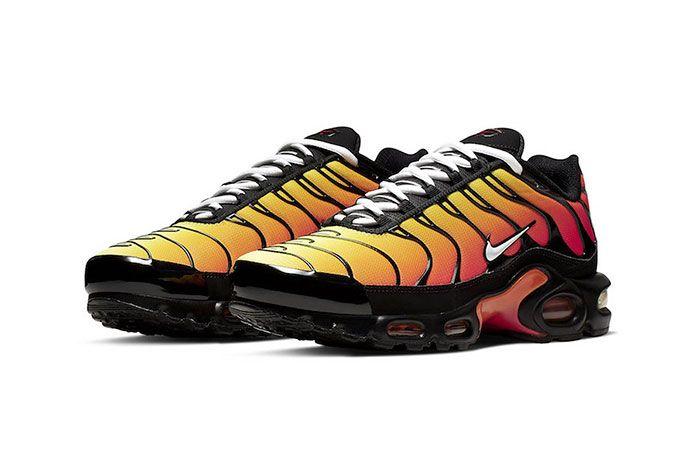 Nike Air Max Plus Orange 852630 040 Front Angle